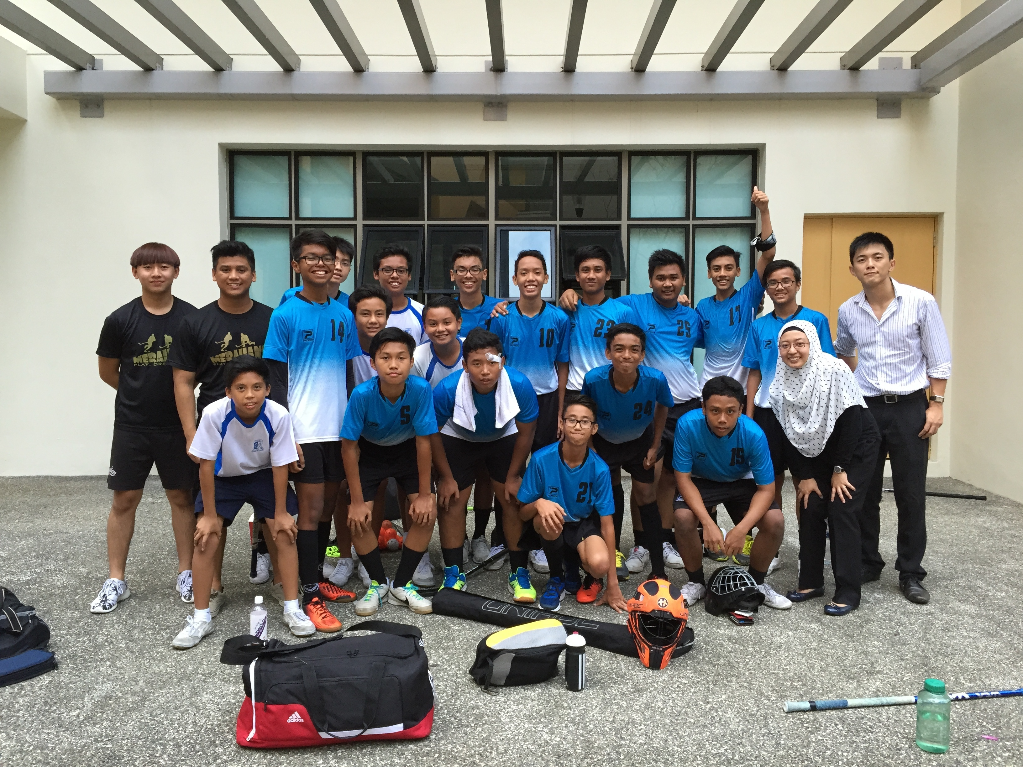 Floorball Team Group Photo 02