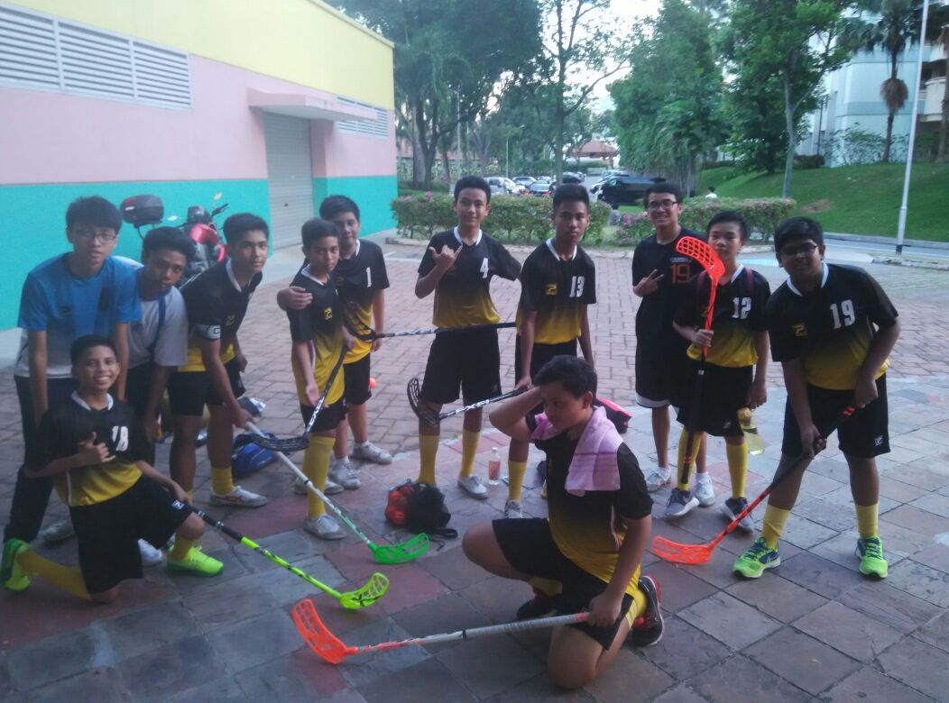 Floorball Team Group Photo 03