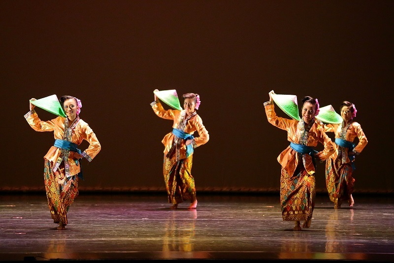 Malay Dance Performance 01